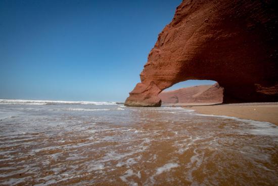 Chez Abdoul: les arches au bout de la plage (accessibles aussi en quad)