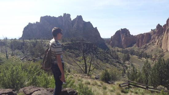 Smith Rock State Park: This is the start of the hike