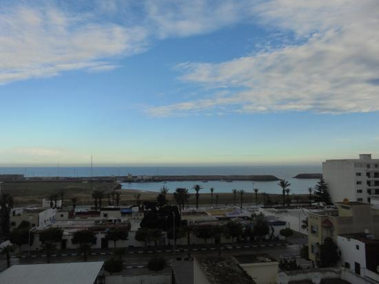 Hotel Zelis: Vue de la chambre, le port et la plage
