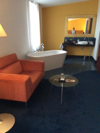 Mövenpick : Bedroom had bath & Vanity unit + Wet room & WC at side