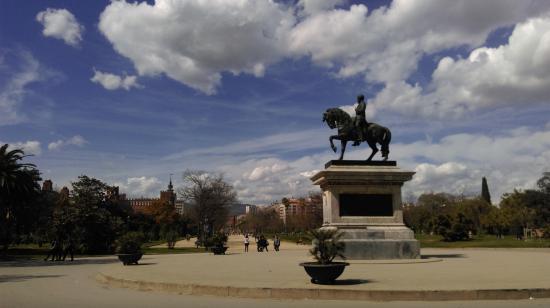 Monument al general Prim