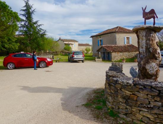 Lou Repaou : Entrée au parking
