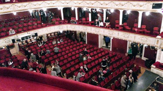 Stadttheater / Buehne Baden : Зрительный зал городского театра Бадена.