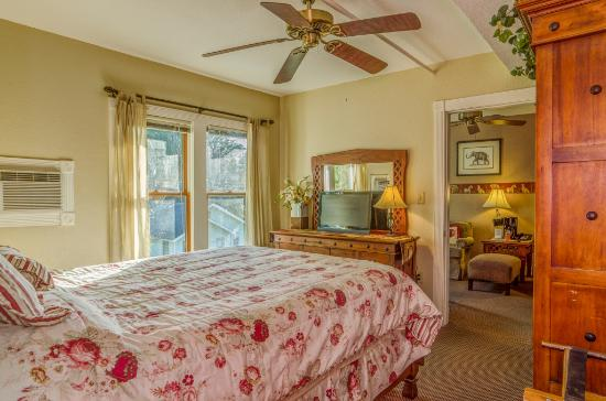 The Historic Peninsula Inn: Nile Suite Bedroom 2