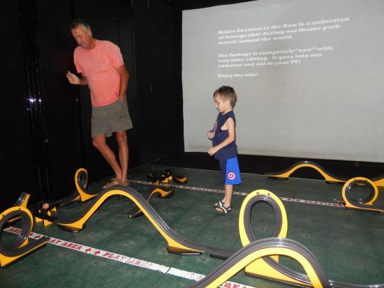 Imaginarium Science Center: Setting up a race track