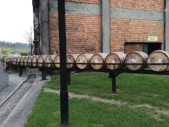 Frankfort, KY: Had two great tours.  The tour guides were very knowledgeable about bourbon and the process to m
