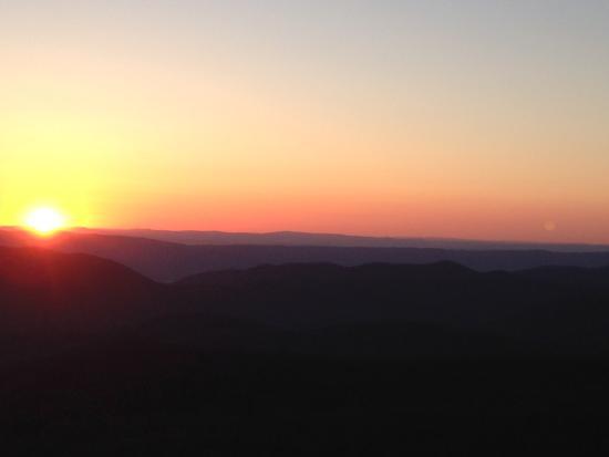 Bearfence Mountain Photo