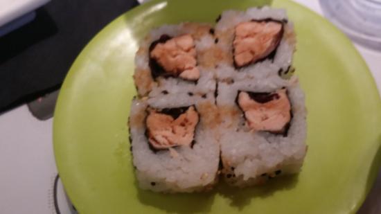 Daruma Sushi Eur sushi con salmone cotto