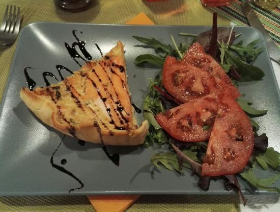 Frontignan, Francia: Tarte au saumon maison