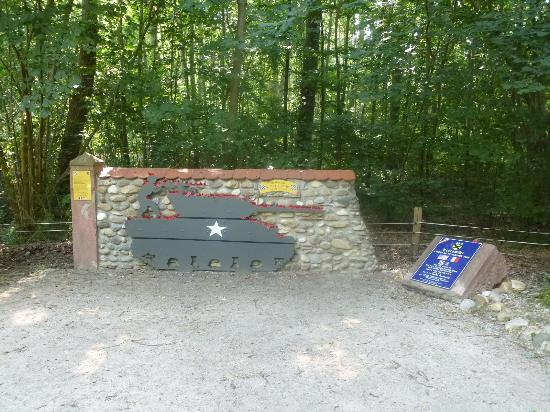 ‪Holtzwihr Memorial to Audie Murphy‬