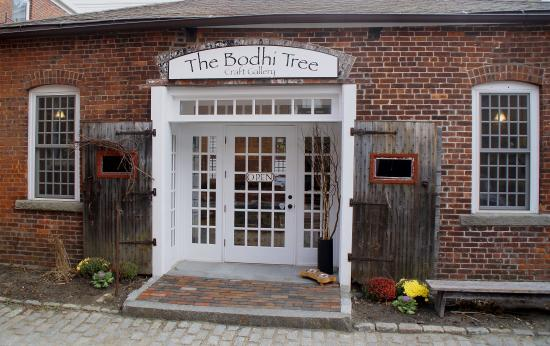 Bodhi Tree Gallery: entrance