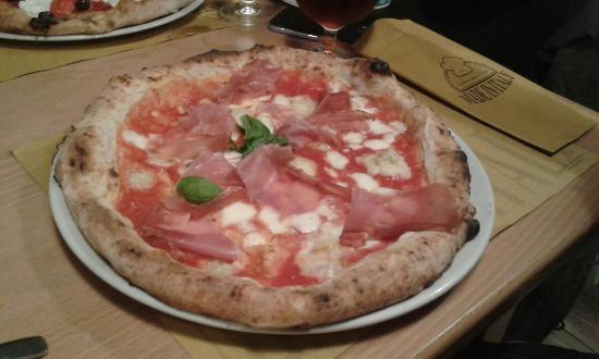 Cassano Magnago, Italië: Made in Italy - Profumi & Sapori d'Italia
