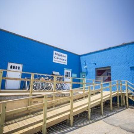 Manteo, Caroline du Nord : Easy access store front!