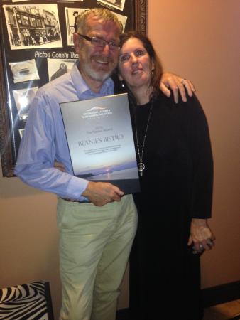 "Beanie's Bistro: Max & Barbara receiving 2016 ""Flavour Award""."