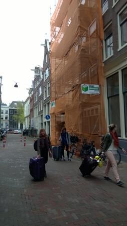 The Blue Sheep Bed & Breakfast Amsterdam: rua do hotel