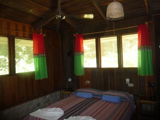 Esquinas Rainforest Lodge: Urige gemütliche Zimmer