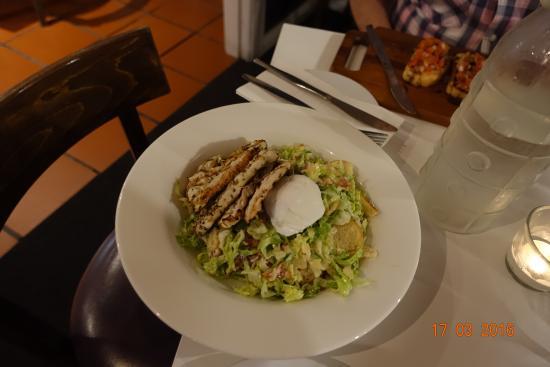 Denman, Australien: Kyllingsalat, ikke prøv den!