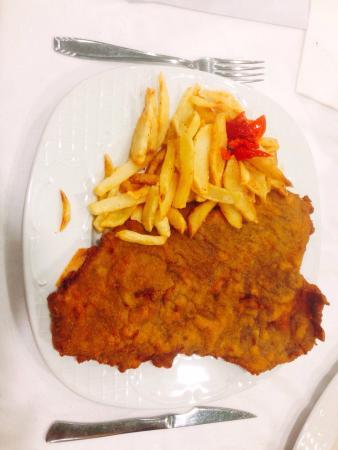 Infiesto, สเปน: Restaurante Los Canos