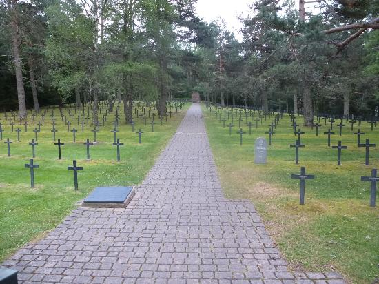 ‪German War Cemetery Hohrod‬