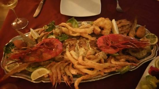 Fishitto Restaurant bar Lounge