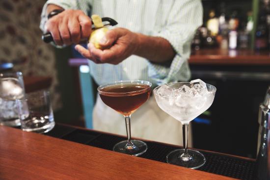 Hancock, Нью-Гэмпшир: Classic cocktails.
