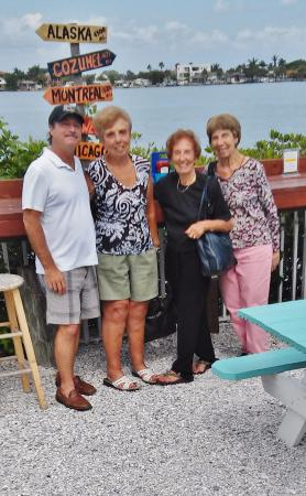 Redington Shores, ฟลอริด้า: Myself (local) and my three aunts (Mass residents)