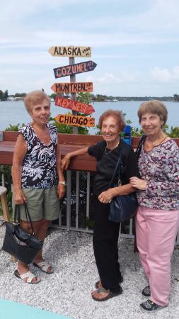 Redington Shores, فلوريدا: Three sisters who now love Seabreeze!