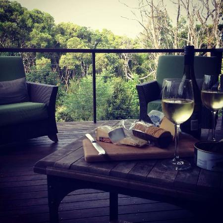 Spicers Tamarind Retreat: Sitting on our deck enjoying the view. Very peaceful