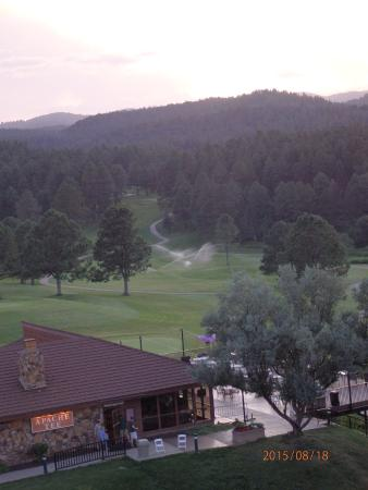Mescalero, Nuevo Mexico: View of the restaurant from our room.