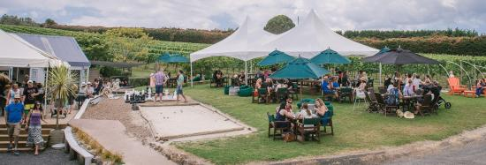 Waiheke Island, New Zealand: Venue Shot of our outdoor beer garden set amongst the vines