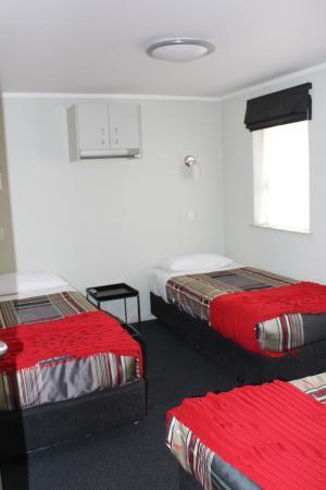 Fern Motel : 2 Bedroom 2nd bedroom