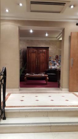 Prince Hotel Resmi