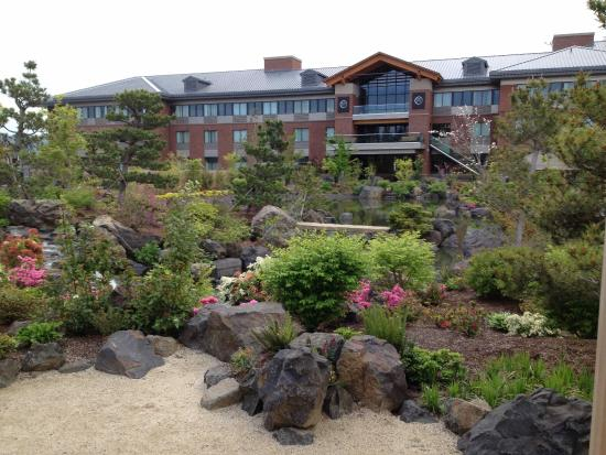 Best Western Premier Boulder Falls Inn Another View Of The Gardens At