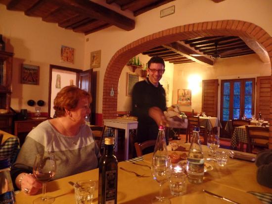 pee wee serving appetizers. - picture of osteria di casa chianti