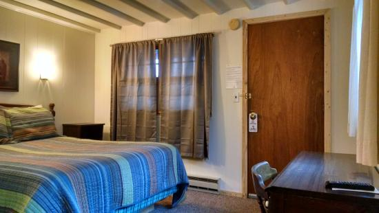 Inn 32: room 18