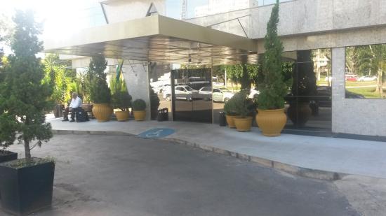 Brasilia Imperial Hotel e Eventos: Entrada de hospedes e visitas