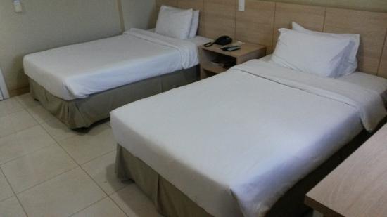Brasilia Imperial Hotel e Eventos: Quarto duplo com Camas confortáveis