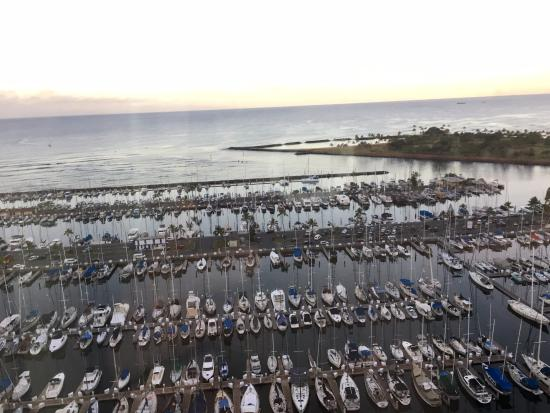 هاواي برينس هوتل ويكيكي: Morning view from my room
