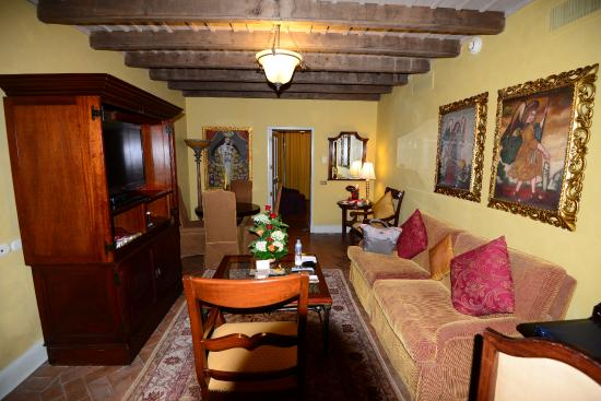 the living room the picture doesn t show a desk at the front and rh tripadvisor com