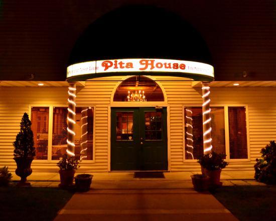 East Setauket, NY: Entrance to Pita House