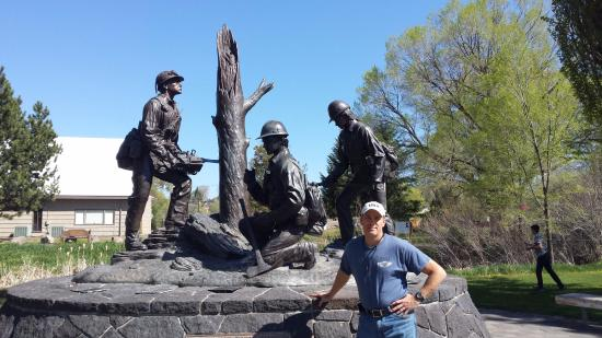 Prineville, OR: Wildland firefighters memorial