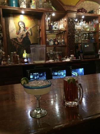Mesilla, NM: Wonderful Margarita and a Dos Equis...