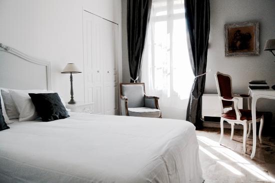 Le Boulou (El Voló), Francia: Vue chambre double Charme