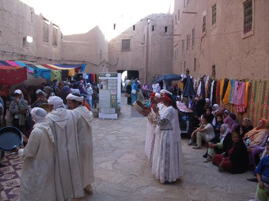 Tinejdad, Marruecos: musique local...
