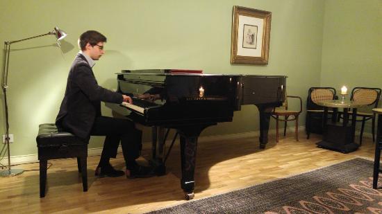 Chopin Salon: 20160421_194003_HDR_large.jpg