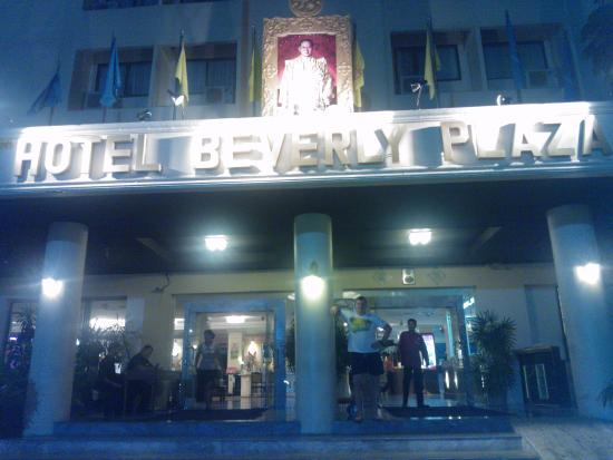Beverly Plaza Hotel: Welcome to HBP