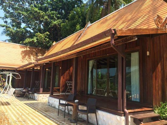 Bhuvarin Resort: Deluxe Thai Villa