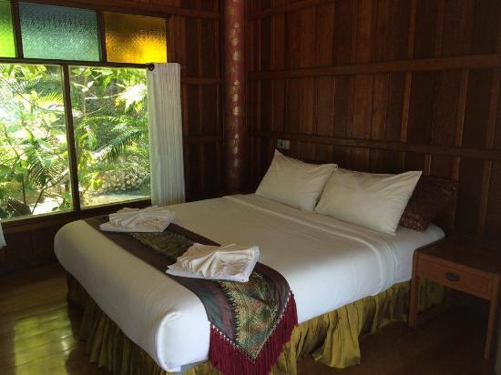 Bhuvarin Resort: Bedroom