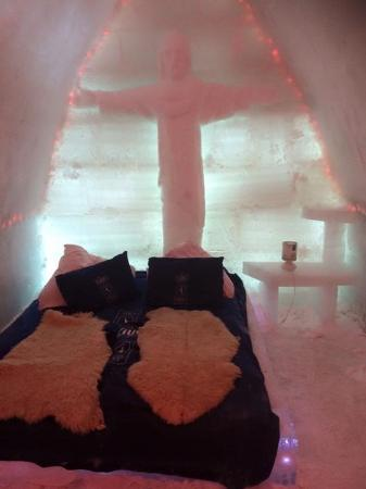 Ice Hotel Romania: One of the rooms