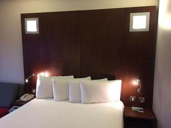 Park Inn by Radisson Birmingham Walsall: Room 237